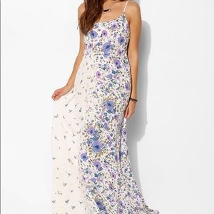 *NWT* Urban Outfitters Wildflower Maxi Dress